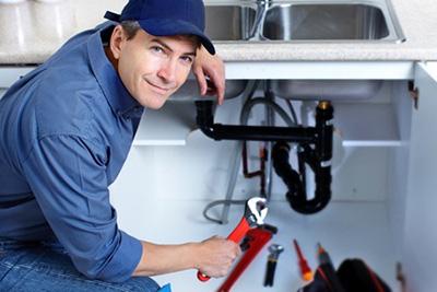 idraulico montare scarichi e sifoni