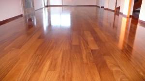 Eliminare i segni dal pavimento in legno parquet