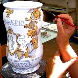 dipingere su ceramica